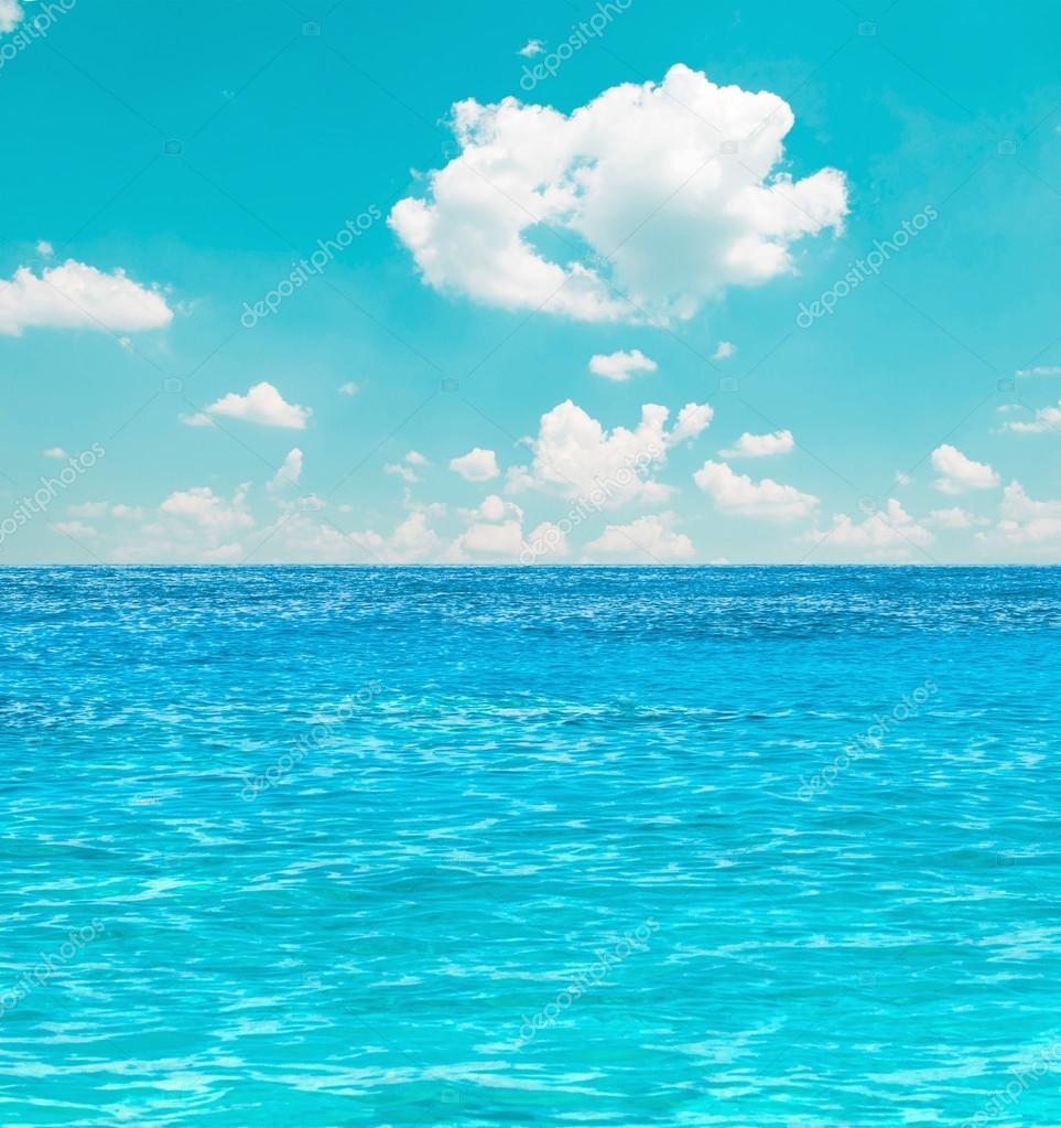 Sfondo di cielo e mare foto stock alexis84 12132405 for Immagini sfondo mare