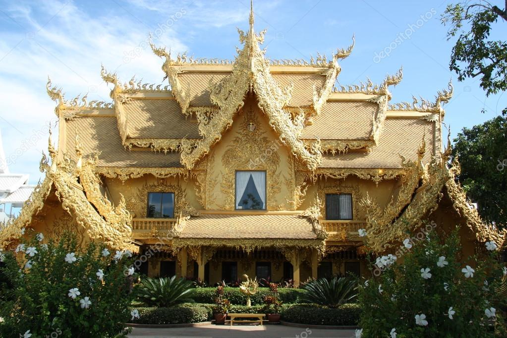 Attractive Golden House In Thailand U2014 Stock Photo