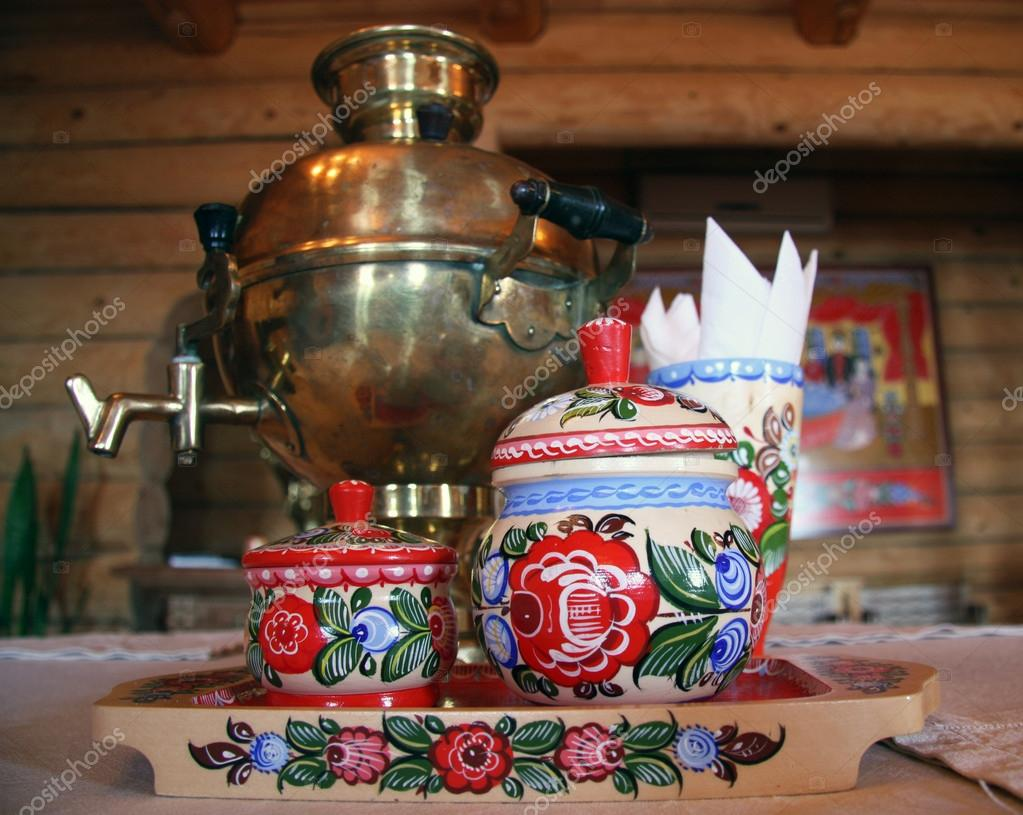 russischer tee trinken mit samowar stockfoto 39783919. Black Bedroom Furniture Sets. Home Design Ideas