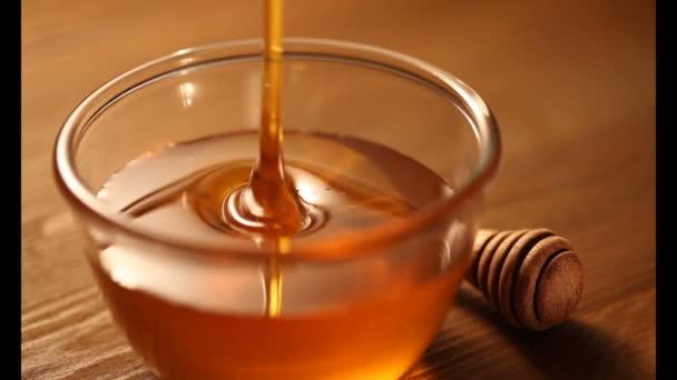 med z holí do mísy