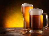 Fényképek a csapolt sört, az üveg-val csendélet