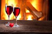 sklenice na víno a srdce