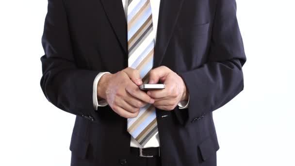 podnikatel psaní zprávy na mobil