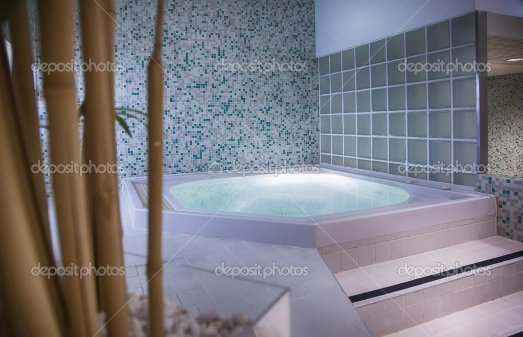 Luxe villa met zwembad zeezicht vis dalmatië kroatië vis