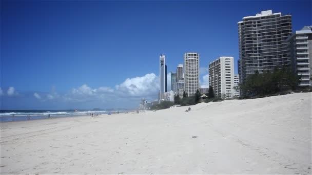 gold coast beach. szörfösök paradicsoma. Queensland, Ausztrália.