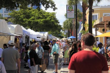 Las Olas Art Fair Crowds
