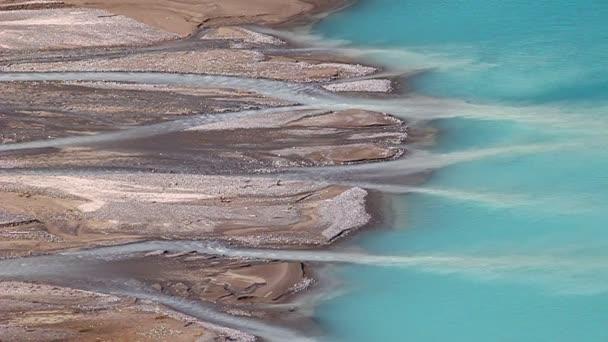 Datenströme feed Peyto Lake