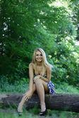 Fotografie dívka v lese