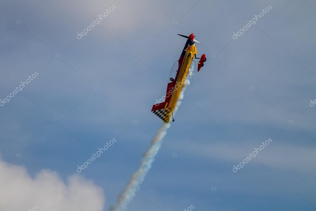 Aerobatic airplane