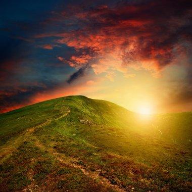 """Картина, постер, плакат, фотообои """"Удивительные горы закат с красные облака"""", артикул 13597321"""