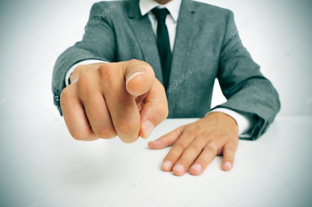 Resultado de imagen para imagenes señalar con el dedo