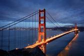 Fotografia scena notturna con ponte golden gate