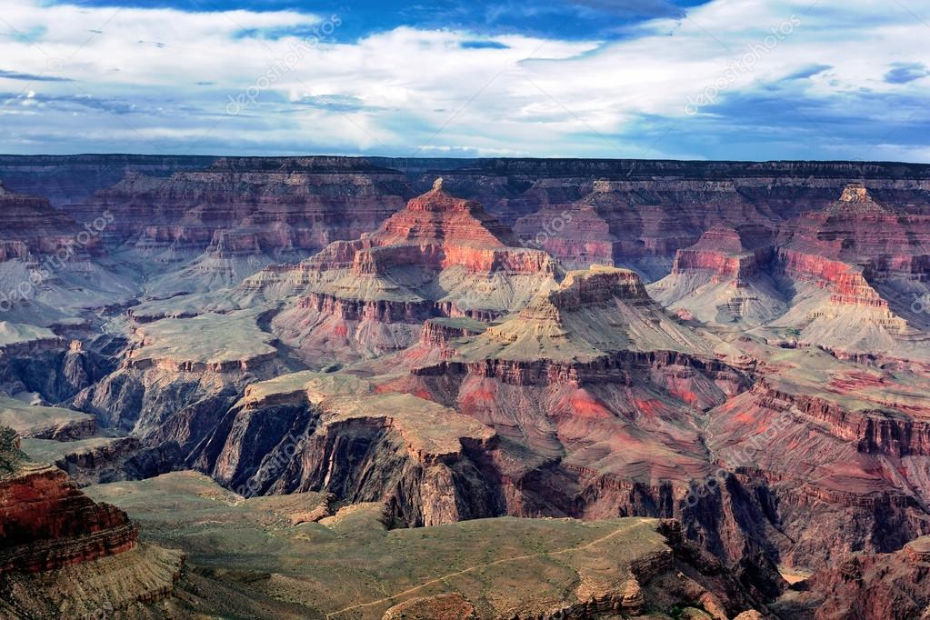 Famous horizontal view of Grand Canyon