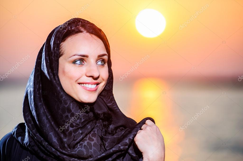Middle eastern women posing images 335