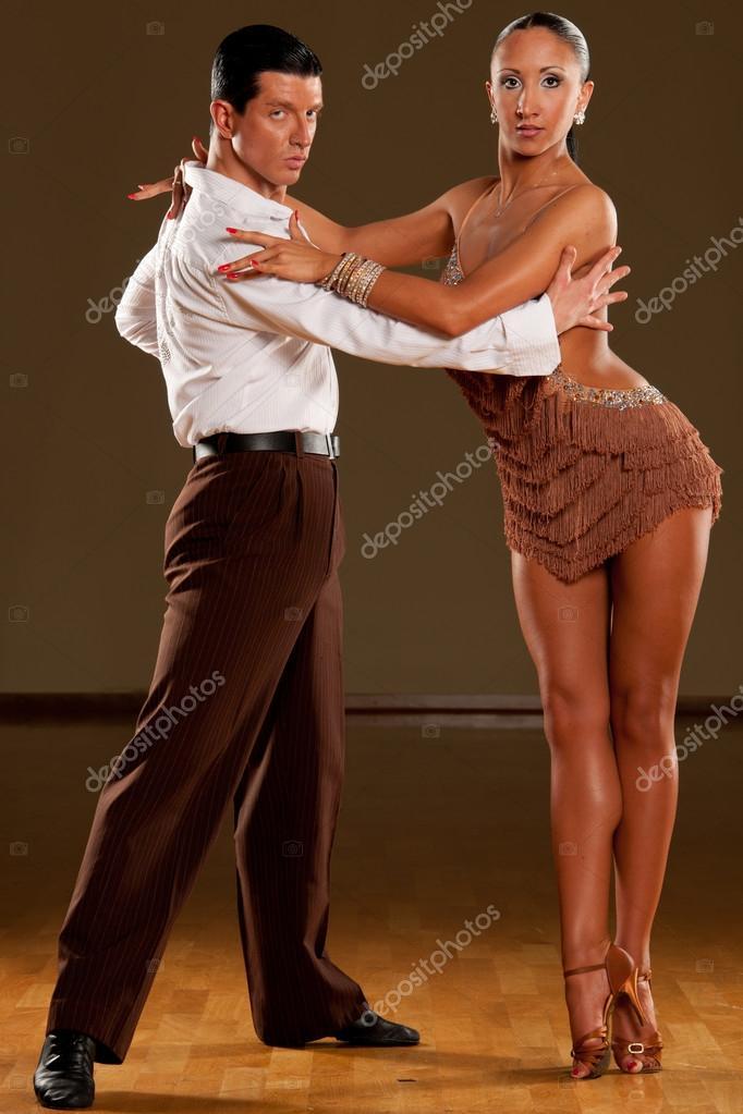 Latino taneční pár v akci - divoká samba — Stock Fotografie ... 8d5ada8e9d5