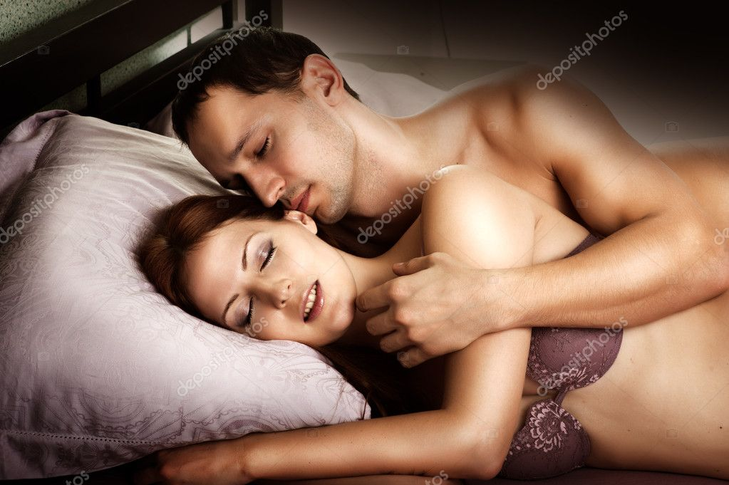 Sexy couple images on bed
