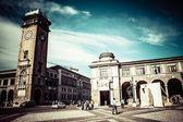 Fotografia vecchia strada europea, bergamo, Italia