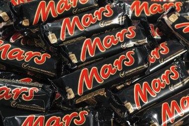 Many Mars chocolate bars