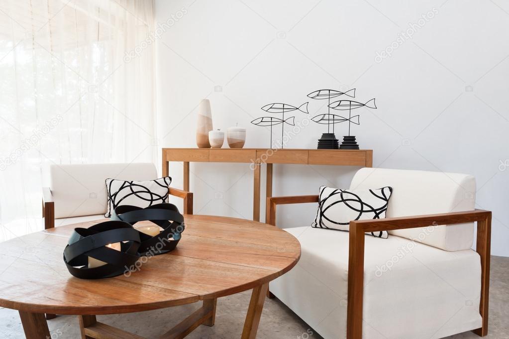 Woonkamer Bruin Wit : Bruin wit meubilair in een woonkamer u stockfoto a cats