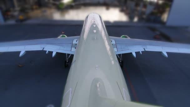 Ende des Flugzeughangars