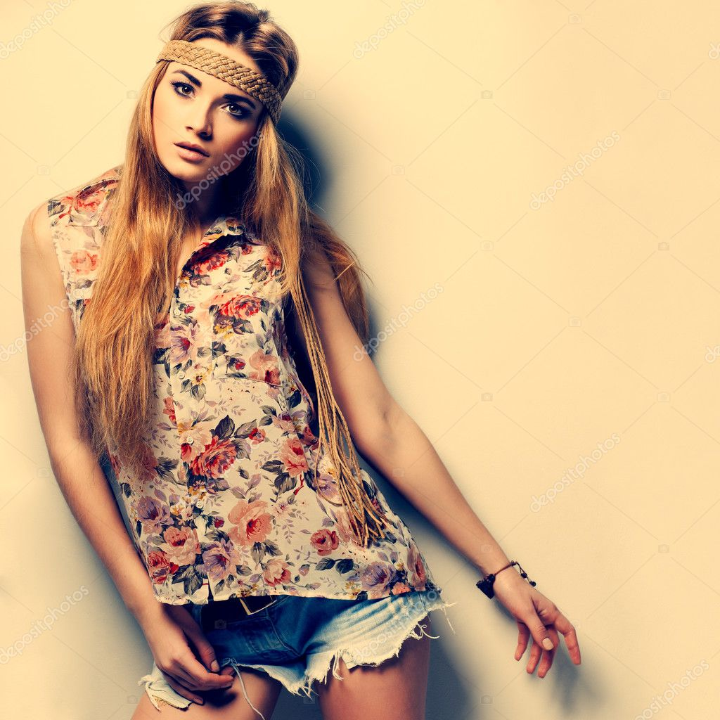 A photo of beautiful girl is in fashion style ,vintag