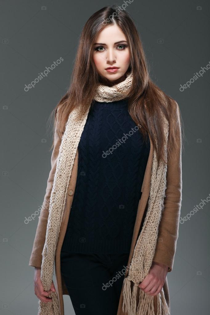 Обнаженные девушки в зимних одеждах фото 30-15
