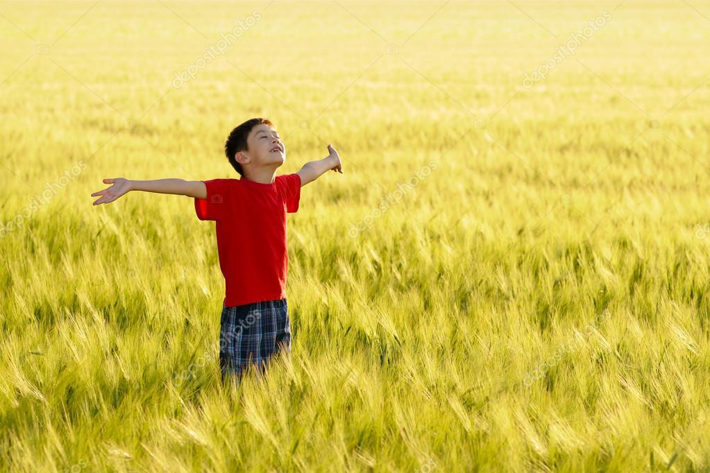 disfrutando del campo y del sol