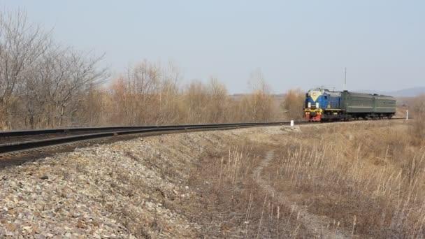 osobní vlak na železnici