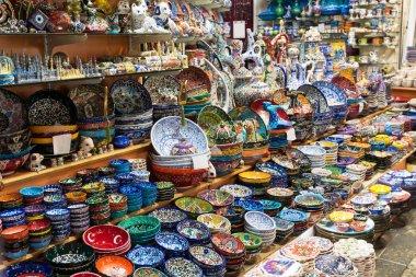 Turkish ceramics on the Grand Bazaar in Istanbul