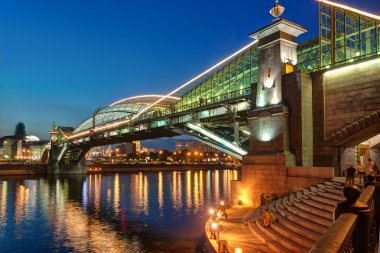 Bogdan Khmelnitsky bridge at night in Moscow