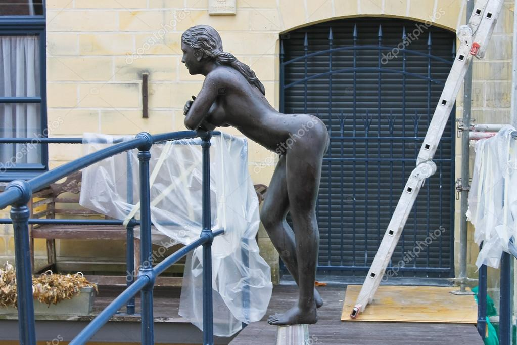 Voyeur undressing nude pics