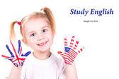 Fotografia bandiere americane e inglesi su mani s bambino imparare il concetto di lingua inglese