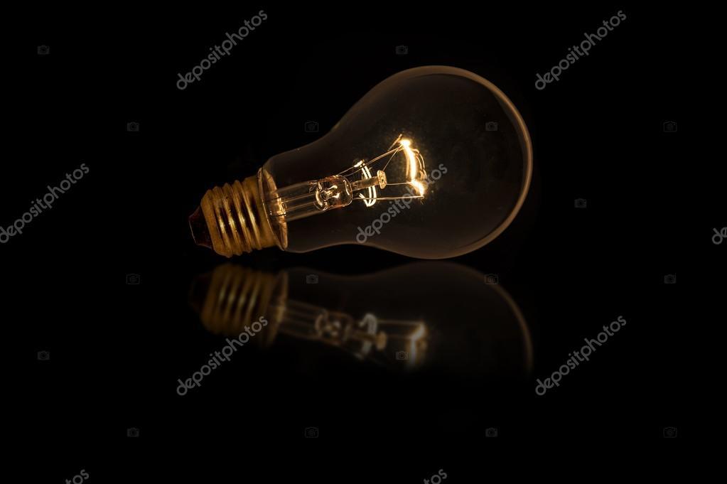 Glühbirne mit dim Beleuchtung ohne Kabel — Stockfoto © topstep07 ...