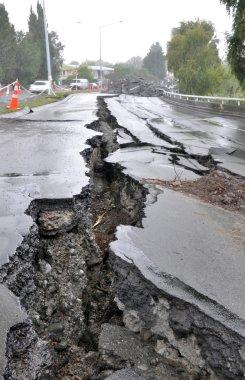 Christchurch deprem - fitzgerald avenue Köprüsü imha.