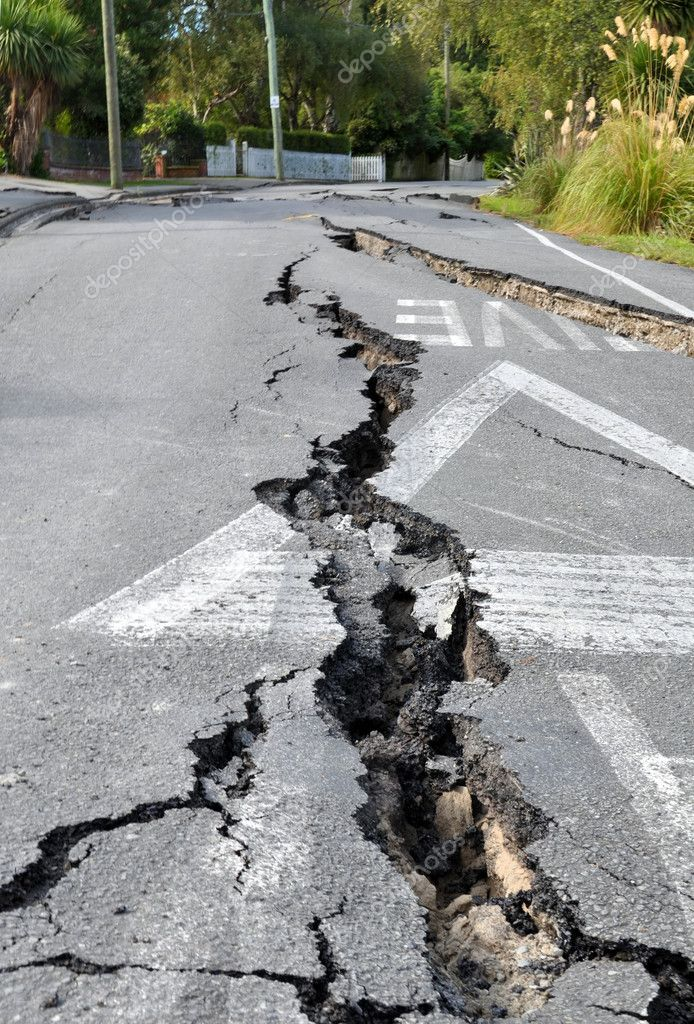 Christchurch Earthquake - Cracks in Avonside