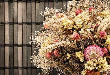 Dry flowers.