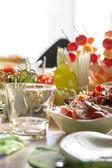 Stůl plný biopotravin