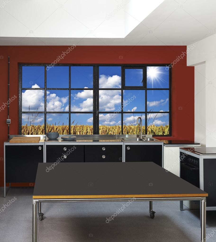 Loft Küche und Fenster-Rahmen mit Weizenfeld im Hintergrund ...