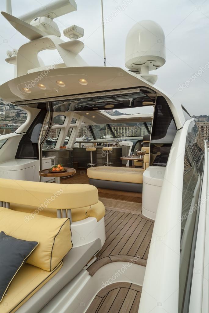 Interni di yacht di lusso foto stock agiampiccolo for Interni lusso