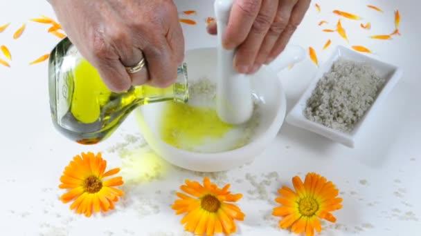 Preparing of a skin peeling