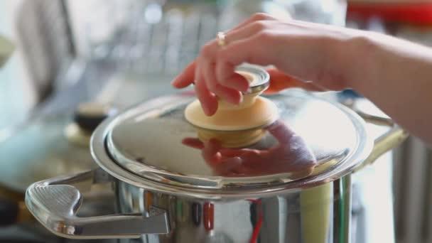vařící polévky