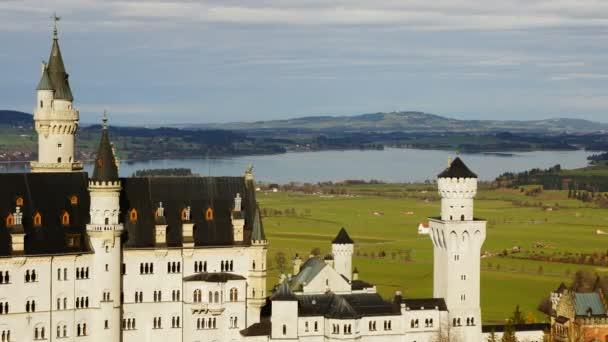 das Schloss in den bayerischen Alpen