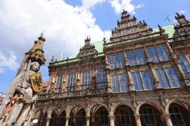 """Картина, постер, плакат, фотообои """"roland and and historic town hall of bremen, germany """", артикул 28671795"""