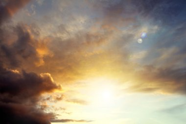 Bright sunlight in sky