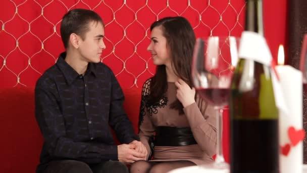prsten od člověka na dívku pro valentinky den