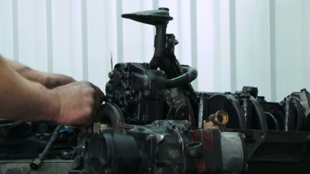 montáž motoru. detail. auto motor