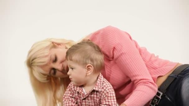madre e figlio.