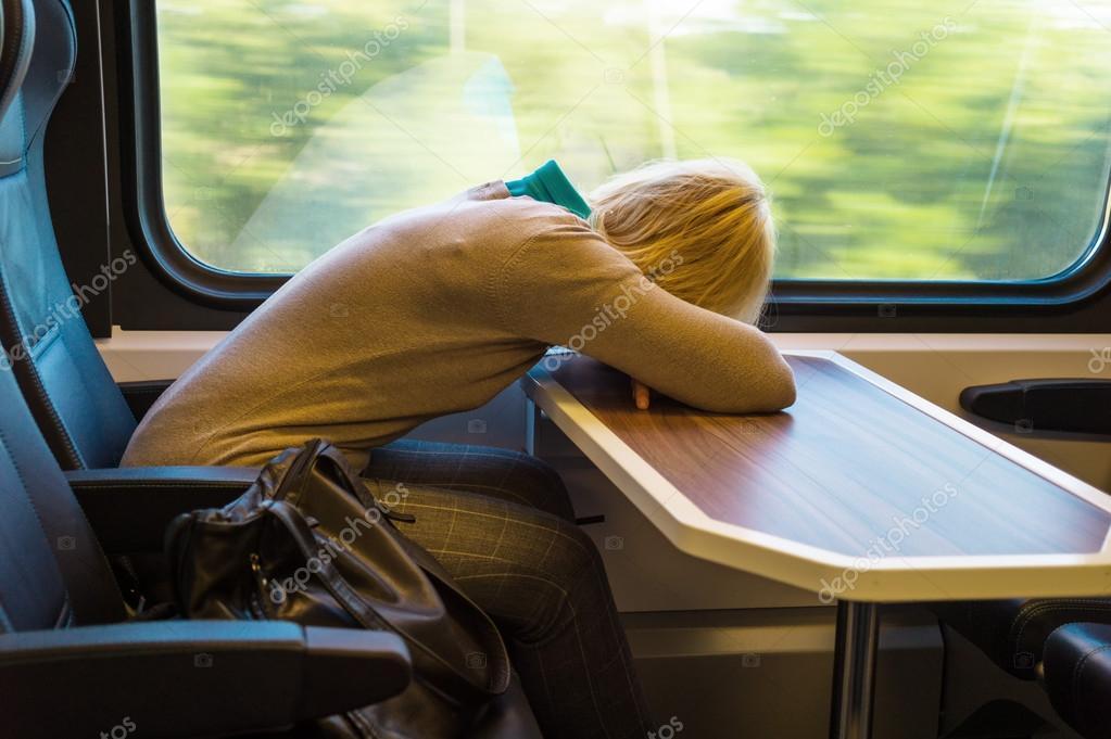 Фотки в поезде спящих фото 227-167
