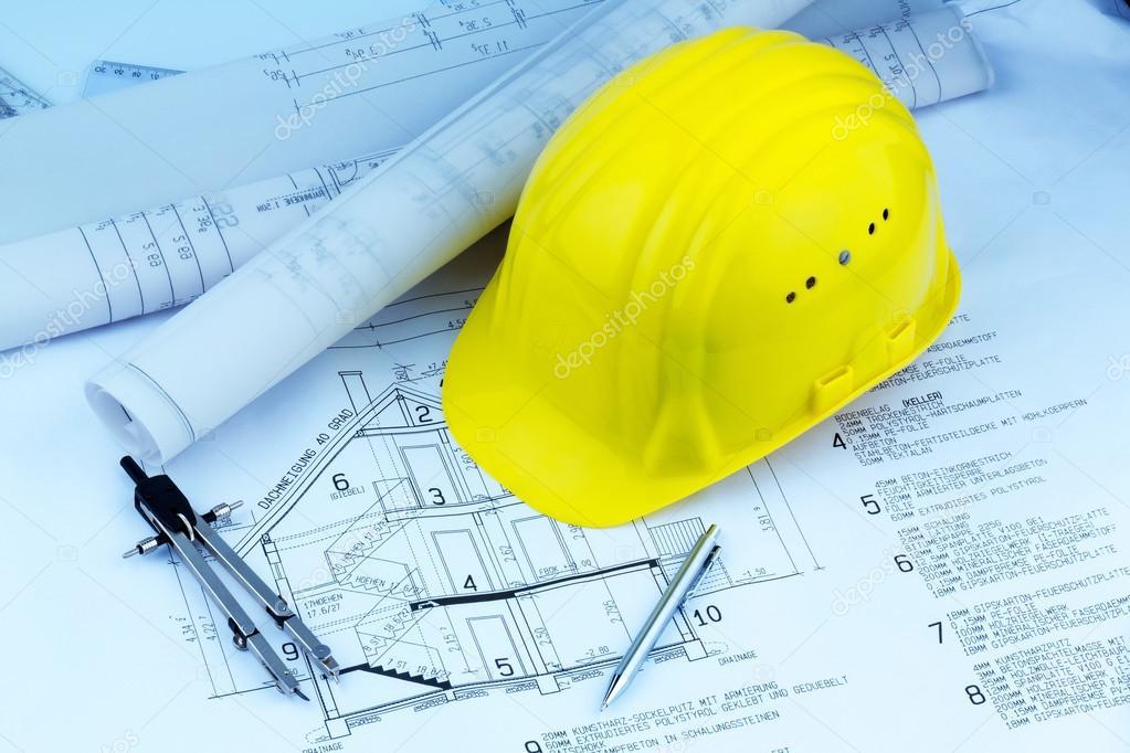plan de maison avec le casque d u0026 39 un ouvrier du b u00e2timent  u2014 photographie ginasanders  u00a9  45062845