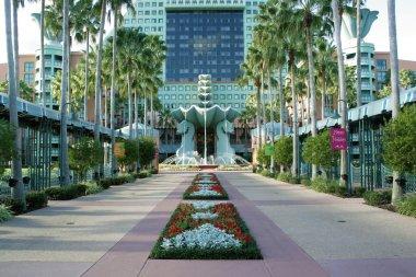 Dolphin Hotel at Walt Disney World (9)